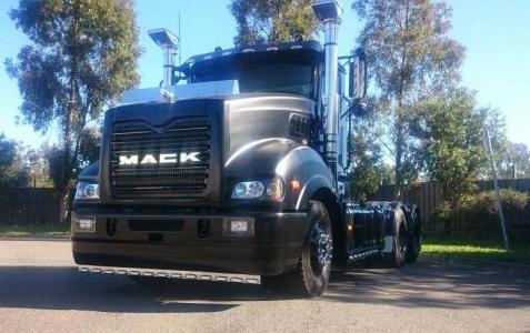Flat Clear - Mack Truck